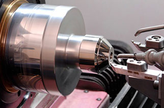 Diamond Turning plastic optic on lathe